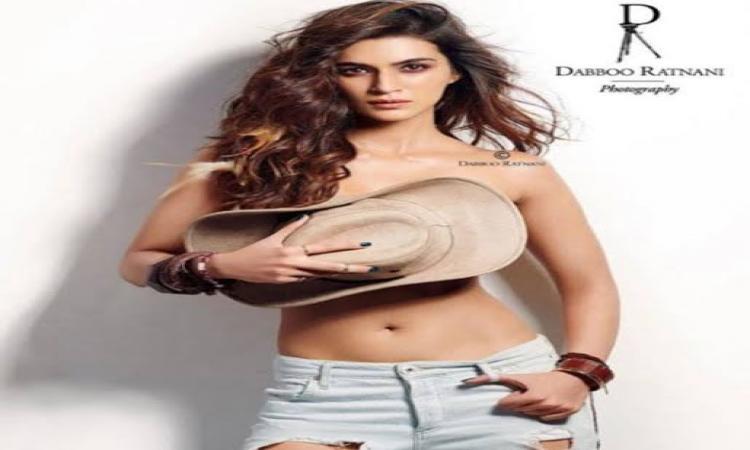 Kirti-Sanon-Bollywood-Fashion