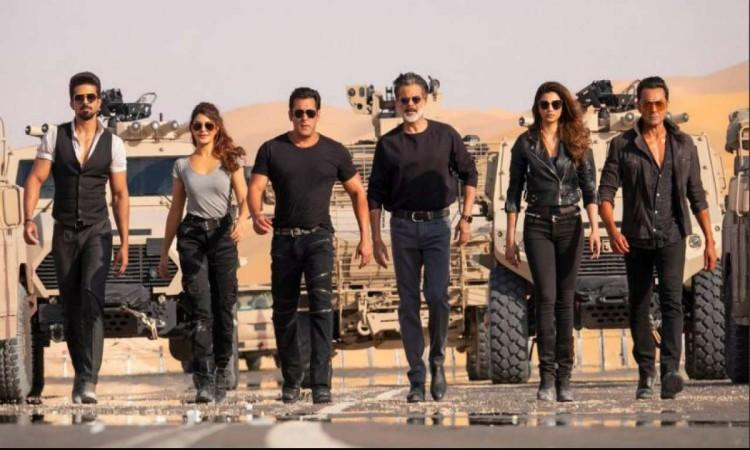 akshay-Kumar-Bollywood- Shahrukh-Khan-Salman-Khan-Ranbir-Kapoor