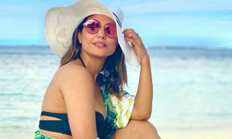 Hina-Khan-Bikini-Vacation