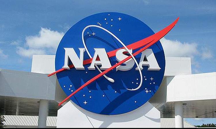 NASA, NASA suspends $2.9B SpaceX lunar lander projectSpaceX lunar lander project, protest against NASA