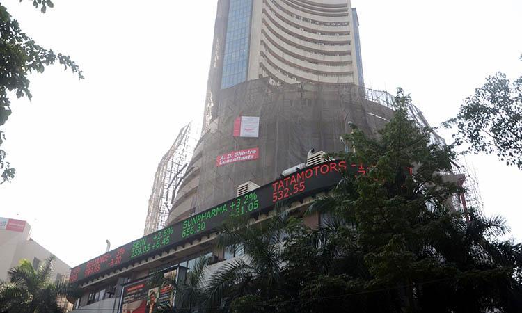 Sensex down, Stock Market, Sensex, Sensex down 1,100 points, Sensex pares gains to turn flat; auto stocks up