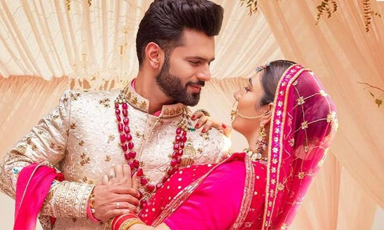 There is no doubt that Bigg Boss season 14 was hit but Rahul Vaidya was a key reason behind that success story. Rahul not just proved his potential but also made fans fall in love with his dashing charm and gentle looks. Not only his fans but there is one